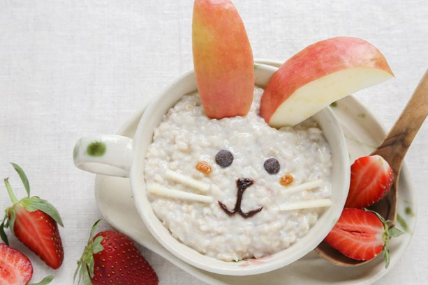 Fun and healthy easter porridge